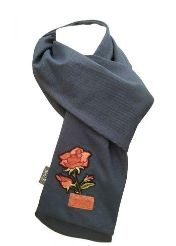 Stoere jeans sjaal met roos applicatie