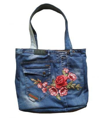 Handgemaakte stoere jeanstas denimtas spijkertas bloem en vlinder van Knuzz
